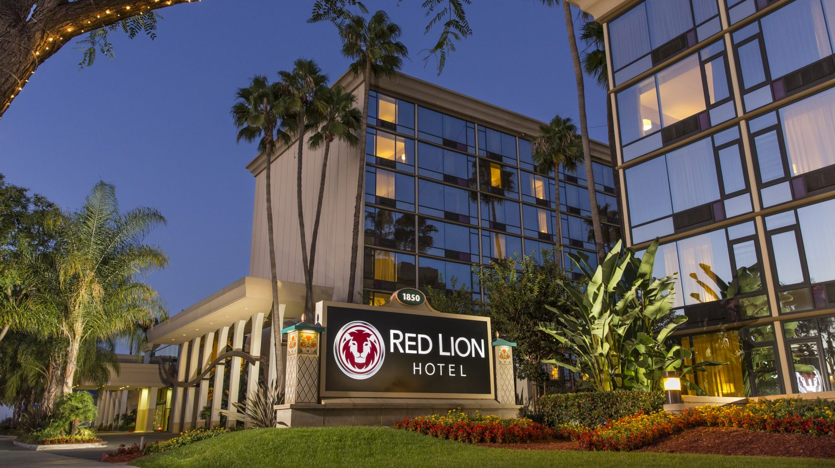 anaheim hotel red lion hotel anaheim. Black Bedroom Furniture Sets. Home Design Ideas